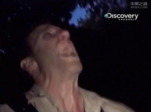 荒野求生主角被不明生物拖入森林,至今仍没人发现他的尸体