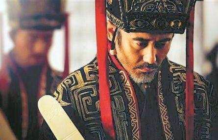 历史上两人有鹰眼狼顾之相,其中一人是司马懿,而另一人竟登基做皇